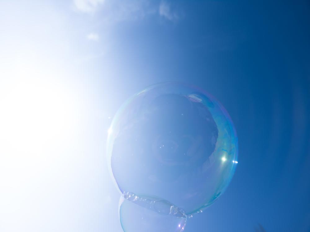 シャボン玉と空