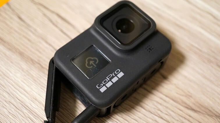 GoPro HERO8 Blackにケーブルを接続