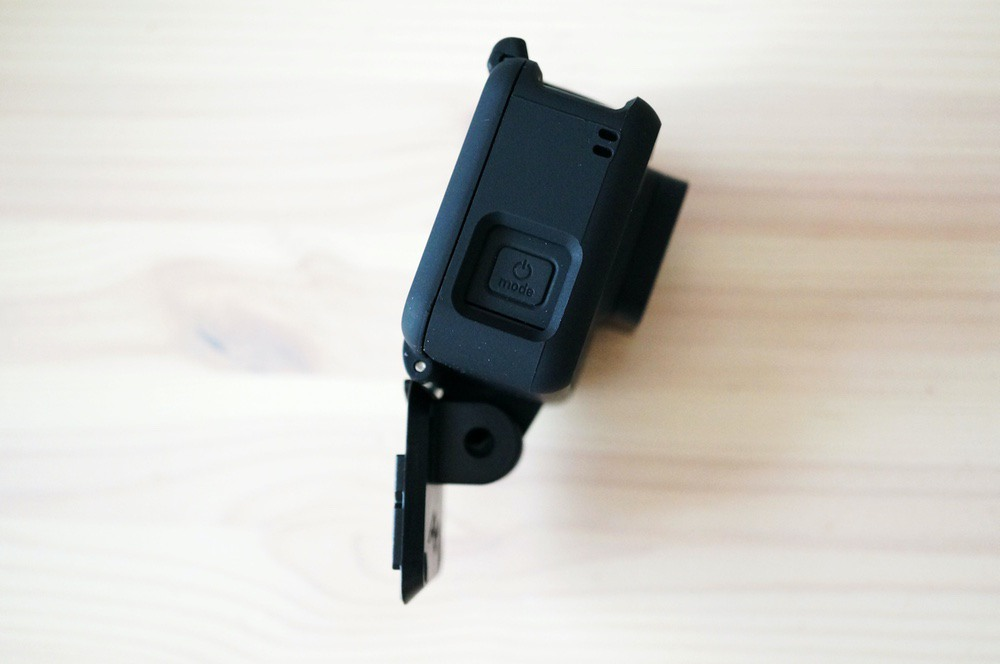 クイックリリースプレートに直接GoProを取り付けたところ