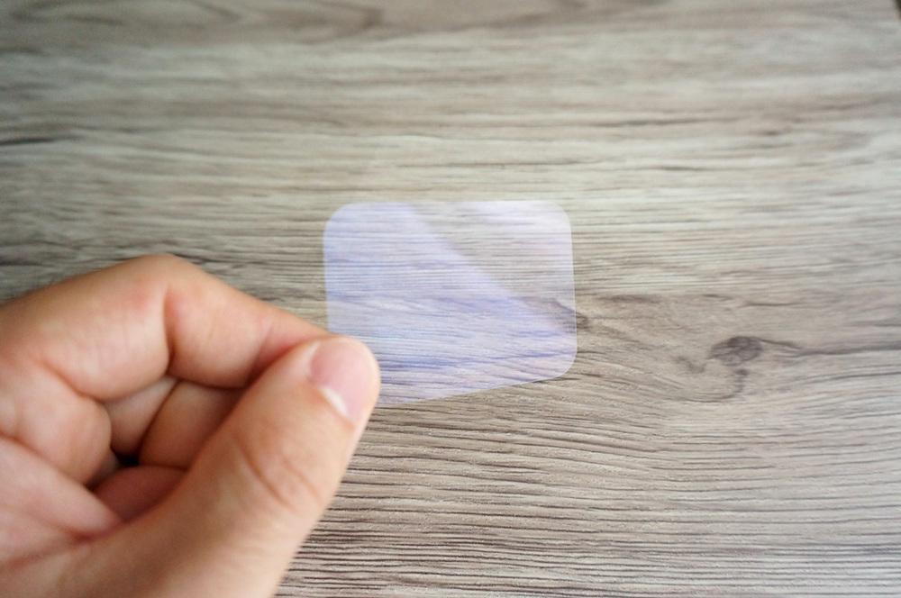 粘着パッド大用の透明カバー