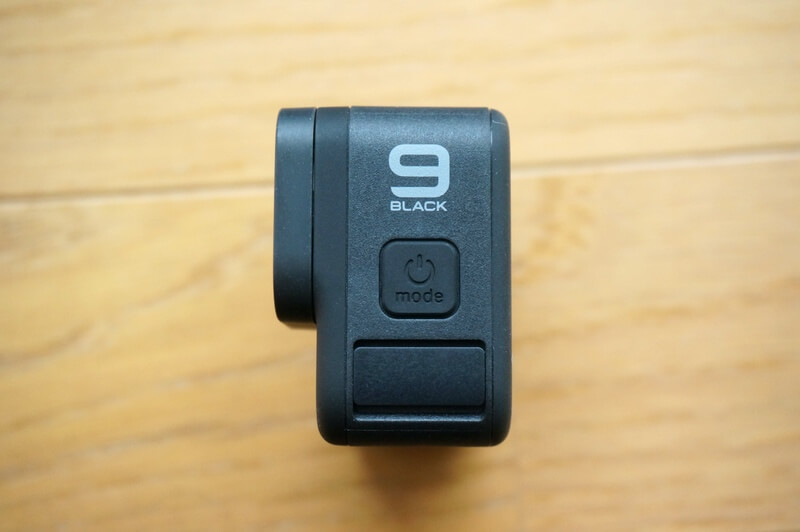 HERO9 Blackのモードボタンがついている側面