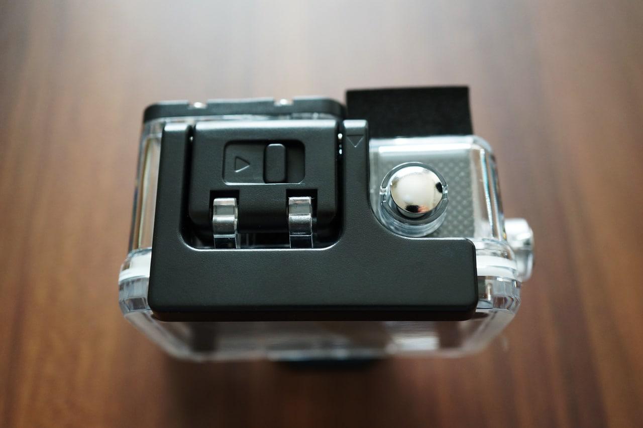 Elephone explorer xの防水ケースの上部