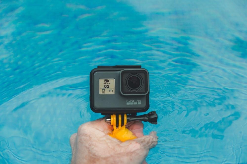 GoProとプール