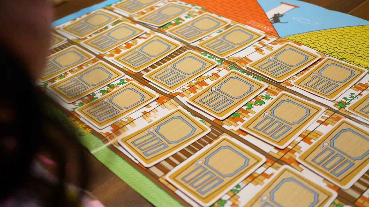 子供とこどもチャンレンジのメモリーゲームで遊ぶ