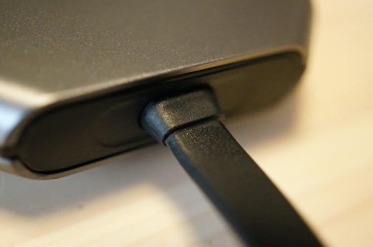 USB-Cケーブルの根本