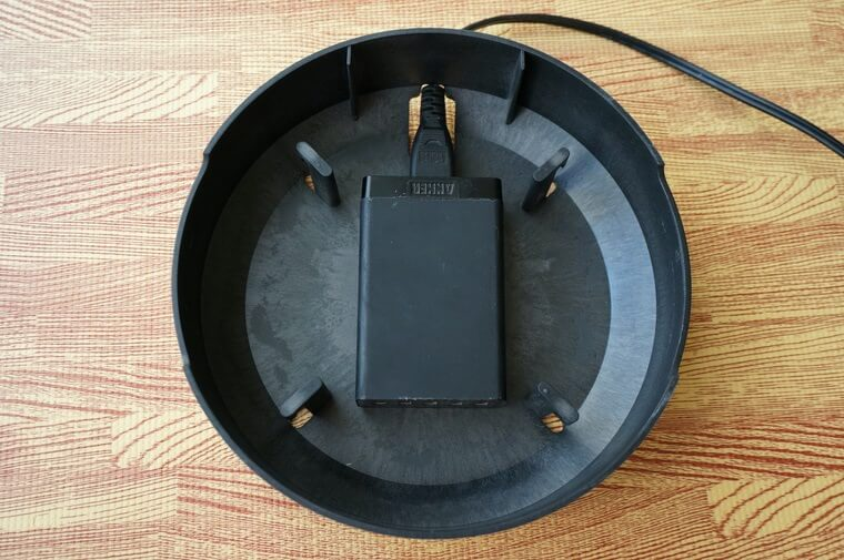 NuAns COLONYマルチ充電トレイに充電ポートを設置