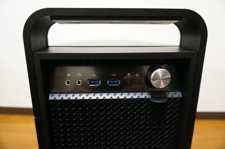 マウスコンピューターDAIV Z5の前面の端子